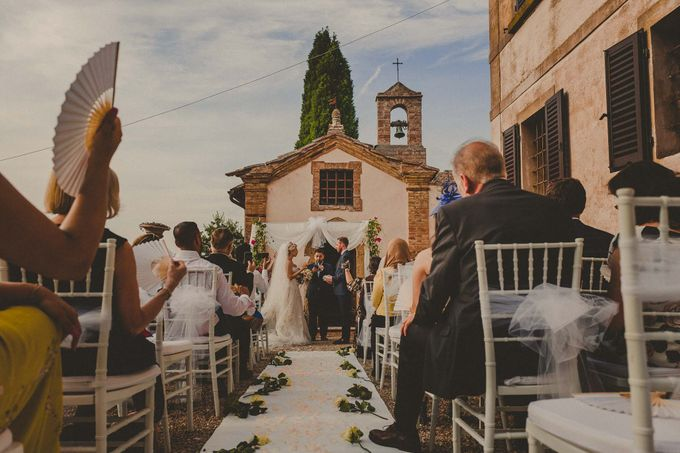 A Romantic Persian Wedding in the Magical Tuscany Country by Livio Lacurre Photography - 024