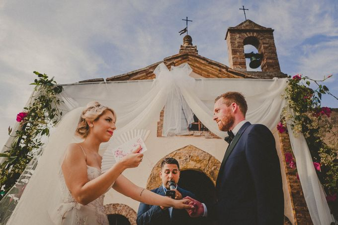 A Romantic Persian Wedding in the Magical Tuscany Country by Livio Lacurre Photography - 025