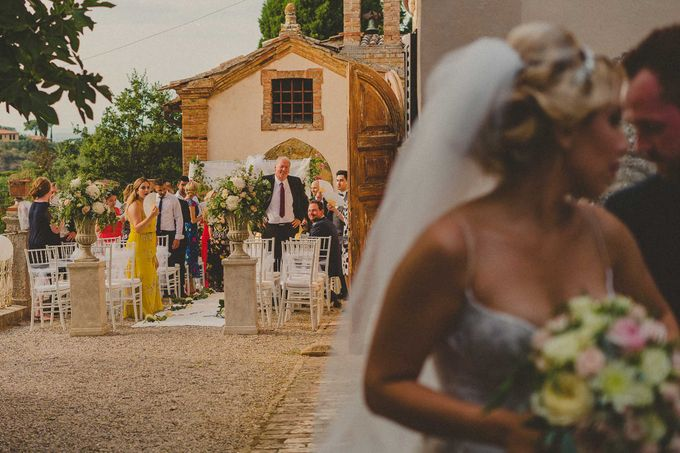 A Romantic Persian Wedding in the Magical Tuscany Country by Livio Lacurre Photography - 027