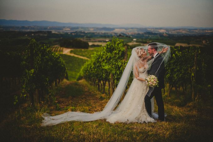 A Romantic Persian Wedding in the Magical Tuscany Country by Livio Lacurre Photography - 031