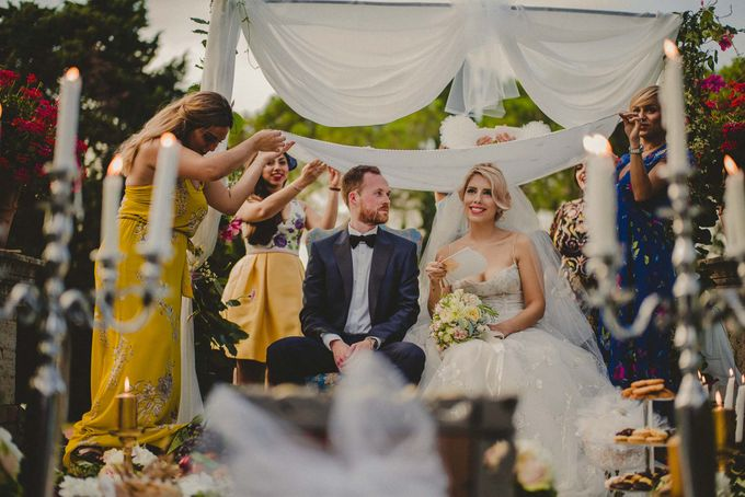 A Romantic Persian Wedding in the Magical Tuscany Country by Livio Lacurre Photography - 036