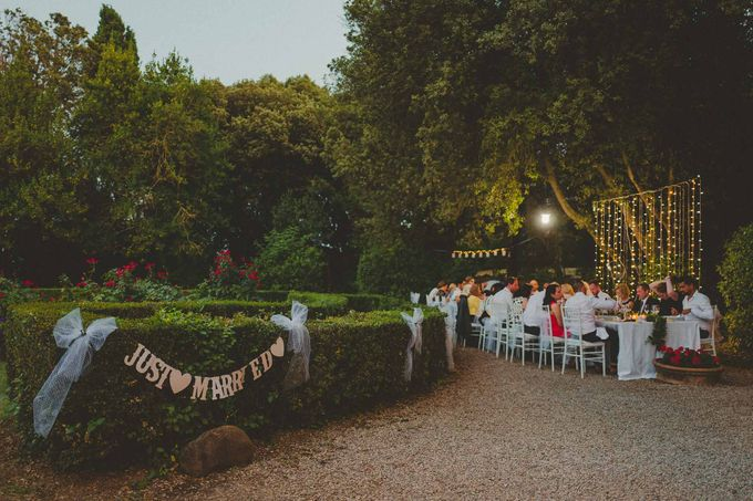 A Romantic Persian Wedding in the Magical Tuscany Country by Livio Lacurre Photography - 040
