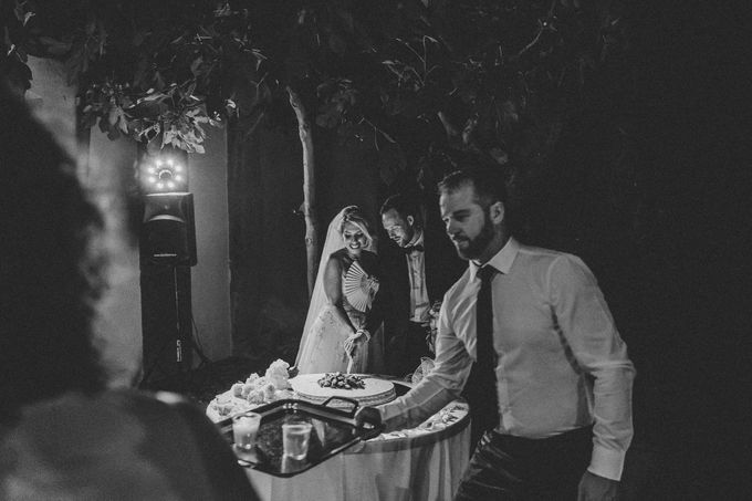 A Romantic Persian Wedding in the Magical Tuscany Country by Livio Lacurre Photography - 043