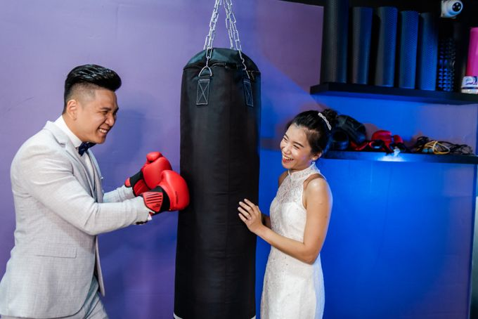 Anytime Fitness Engagement Shoot Singapore by Daniel Sim Photography by The Gown Warehouse - 003