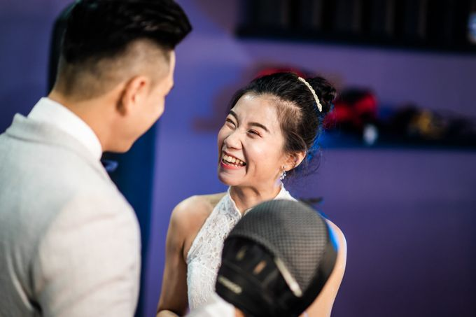Anytime Fitness Engagement Shoot Singapore by Daniel Sim Photography by The Gown Warehouse - 004
