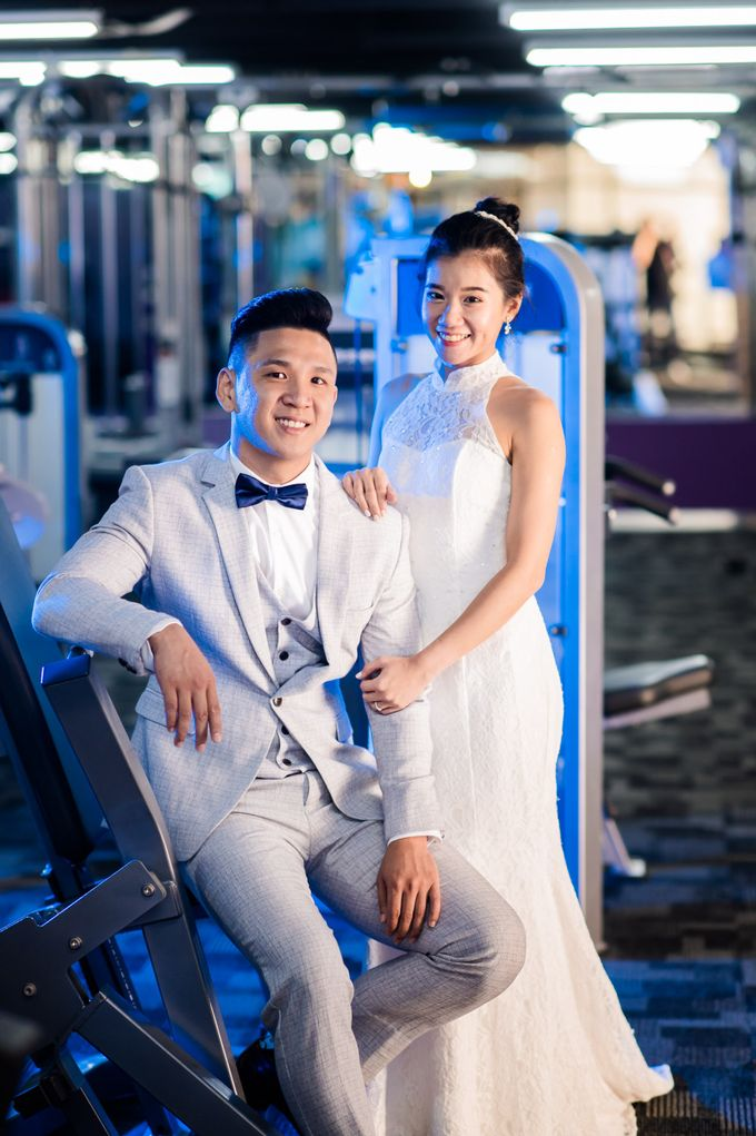 Anytime Fitness Engagement Shoot Singapore by Daniel Sim Photography by The Gown Warehouse - 011