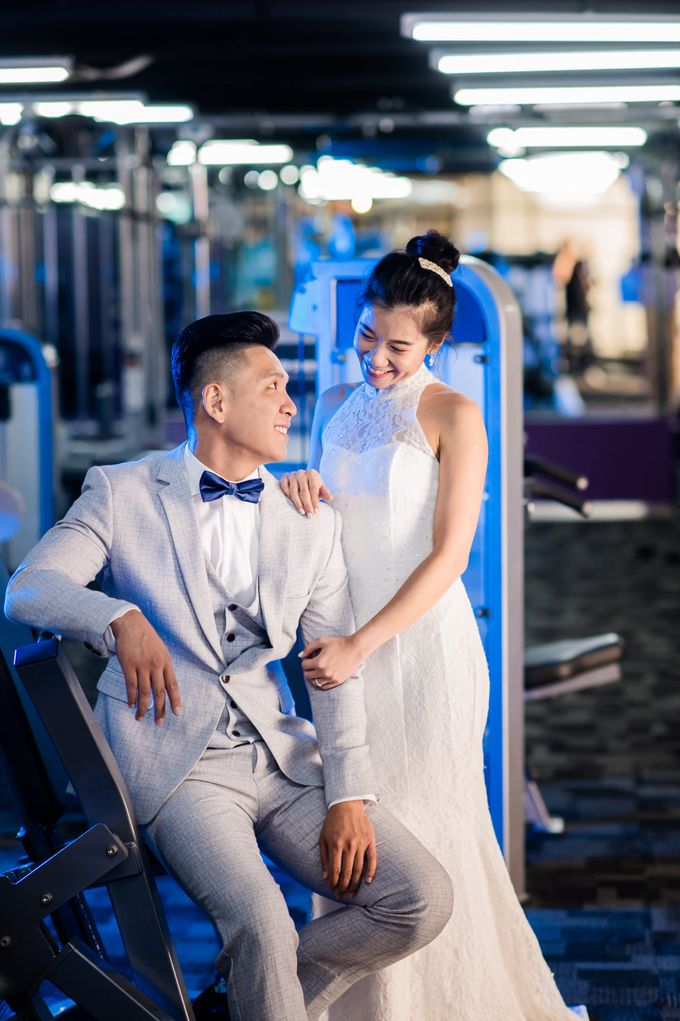 Anytime Fitness Engagement Shoot Singapore by Daniel Sim Photography by The Gown Warehouse - 012