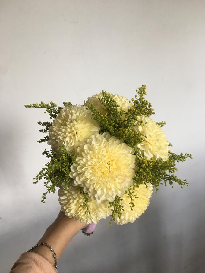 Simple Korean Style Wedding Bouquet by Beyond by Brigita - 004