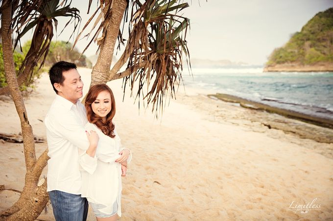 HENDY AND AMEL ENGAGEMENT PHOTOSHOOT by limitless portraiture - 002