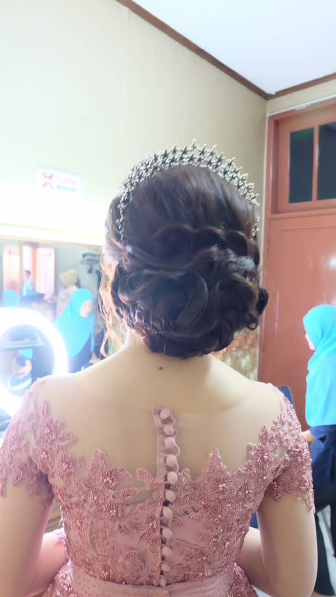 Hairdo bride by Makeup And Hairdo By iis - 005