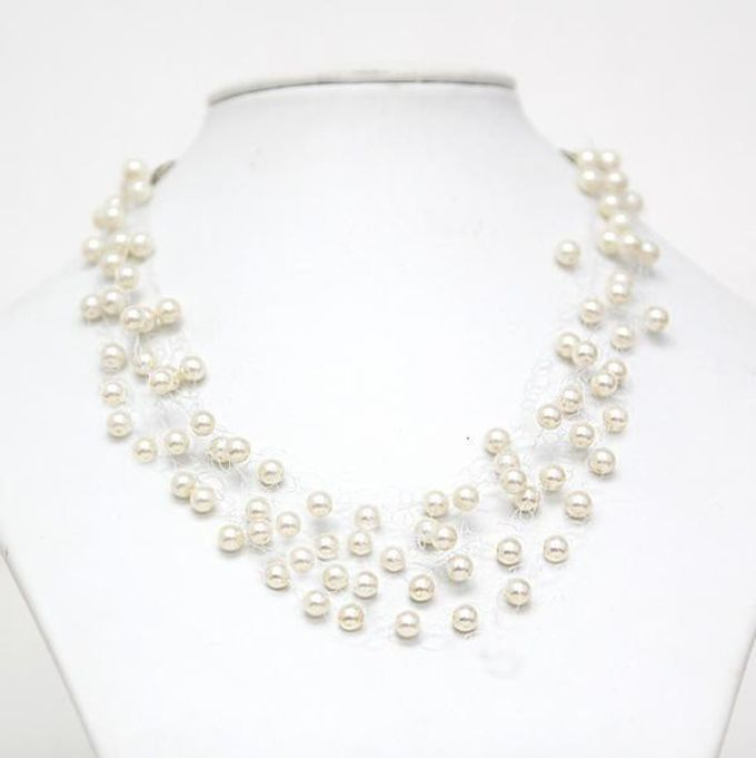 Pearl and crystal jewery for wedding by Weddingbliss - 001