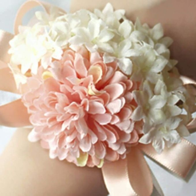 Bouquets, Corsages & Boutonnieres by Dorcas Floral - 004