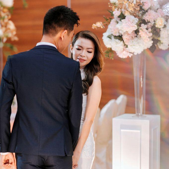 Ashley & Joel - Blush White Wedding by Blissmoment - 005