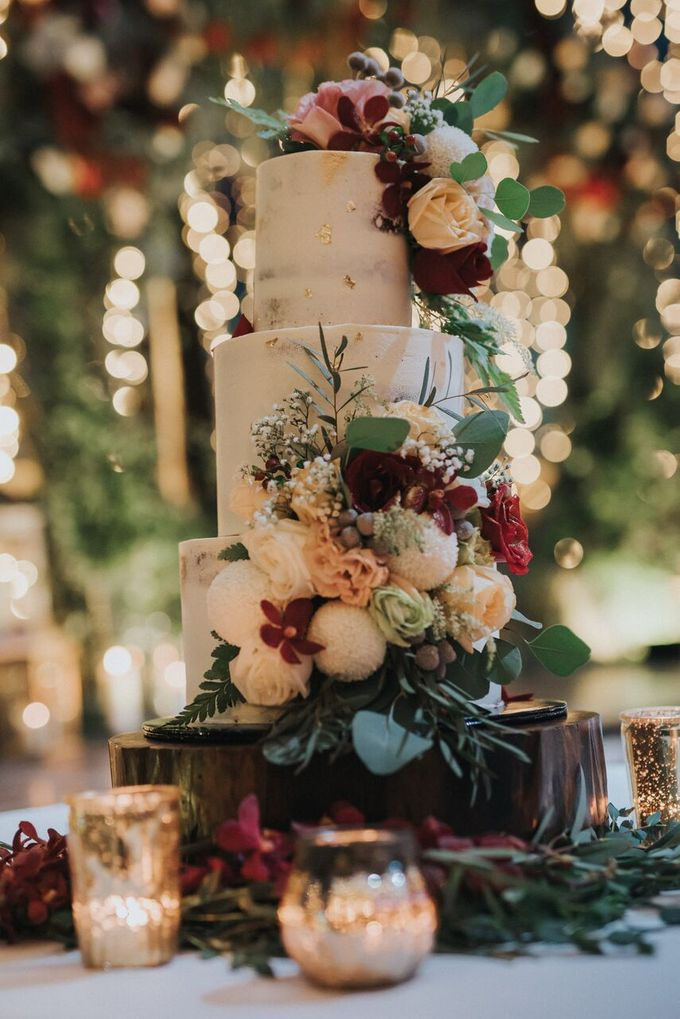 Ivan & Kelly - Fairylight & Rustic Burgundy Wedding by Nic Chung Photography - 003