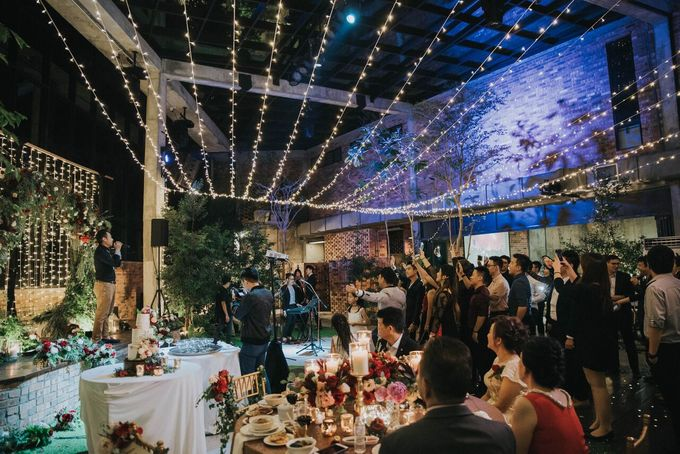 Ivan & Kelly - Fairylight & Rustic Burgundy Wedding by Nic Chung Photography - 004