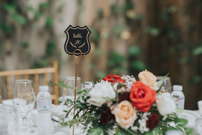 Ivan & Kelly - Fairylight & Rustic Burgundy Wedding by Nic Chung Photography - 008