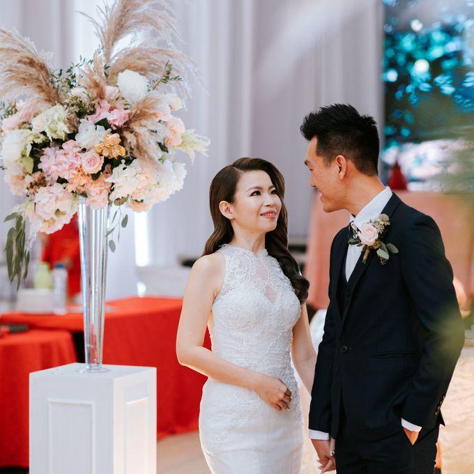 Ashley & Joel - Blush White Wedding by Blissmoment - 006