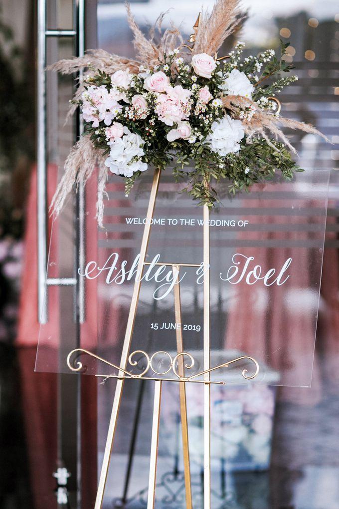 Ashley & Joel - Blush White Wedding by Blissmoment - 008