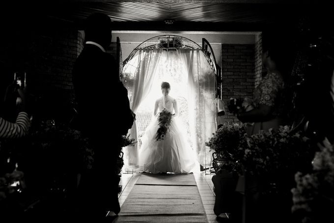 A Romantic and Intimate Wedding in Tagaytay by Jexter Jordan - 038