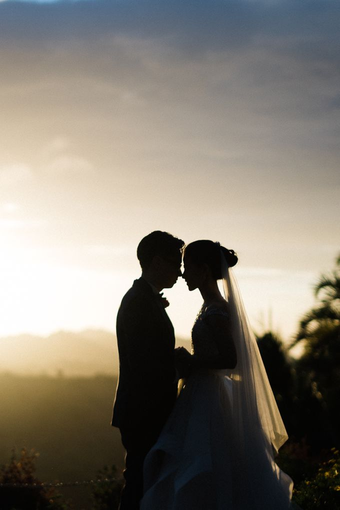 A Romantic and Intimate Wedding in Tagaytay by Jexter Jordan - 020