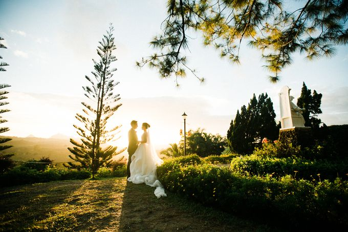 A Romantic and Intimate Wedding in Tagaytay by Jexter Jordan - 040