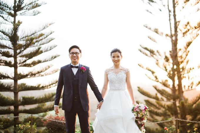 A Romantic and Intimate Wedding in Tagaytay by Jexter Jordan - 025