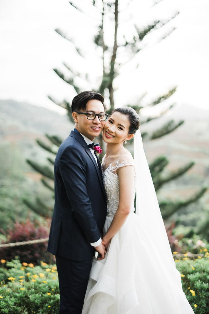 A Romantic and Intimate Wedding in Tagaytay by Jexter Jordan - 043