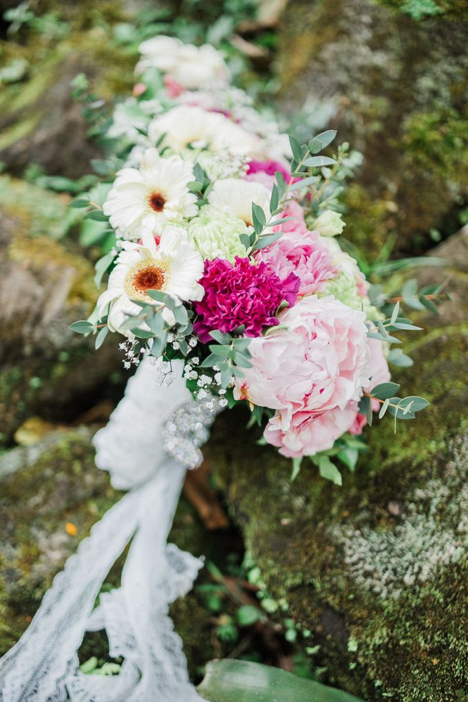 A Romantic and Intimate Wedding in Tagaytay by Jexter Jordan - 004