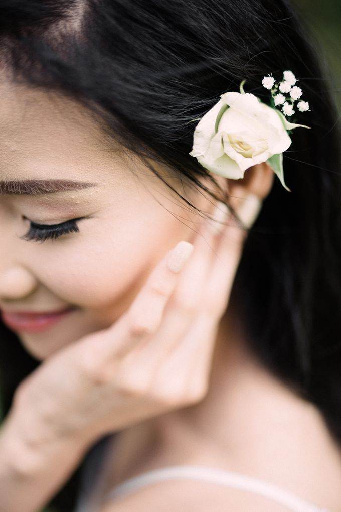 A Romantic and Intimate Wedding in Tagaytay by Jexter Jordan - 011