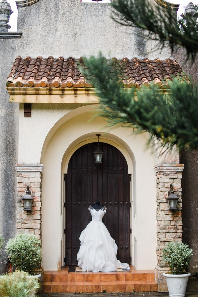 A Romantic and Intimate Wedding in Tagaytay by Jexter Jordan - 014