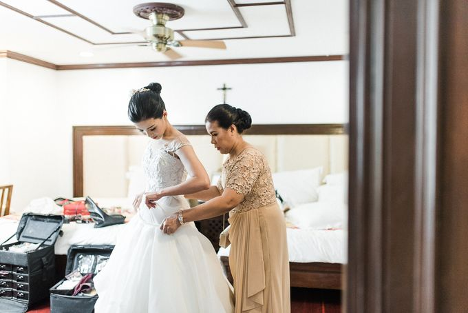 A Romantic and Intimate Wedding in Tagaytay by Jexter Jordan - 032