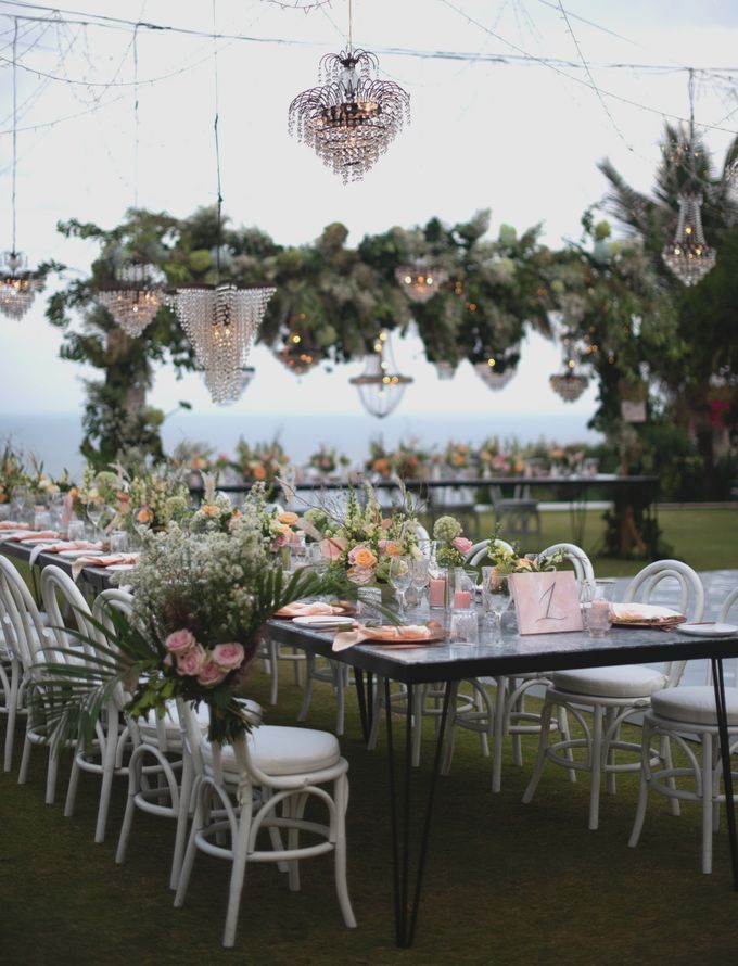 SIPPING BUBBLY by Bloomz Flower Bali - 004
