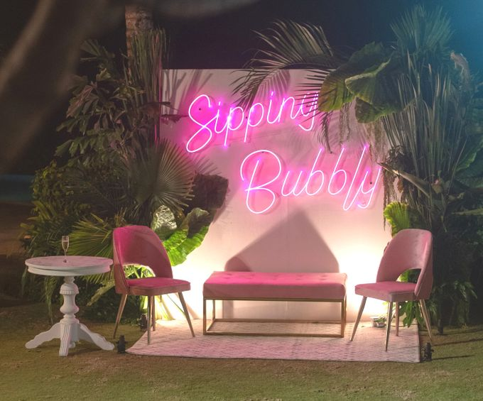 SIPPING BUBBLY by Bloomz Flower Bali - 009