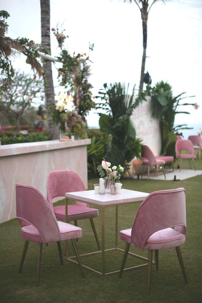 SIPPING BUBBLY by Bloomz Flower Bali - 010