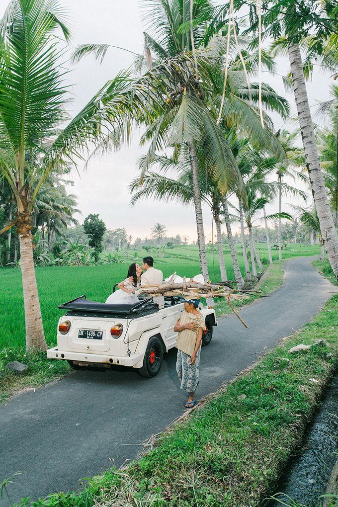 TAMARA & LUCKY  ELEGANCE IN THE RICE FIELDS by Bloomz Flower Bali - 011