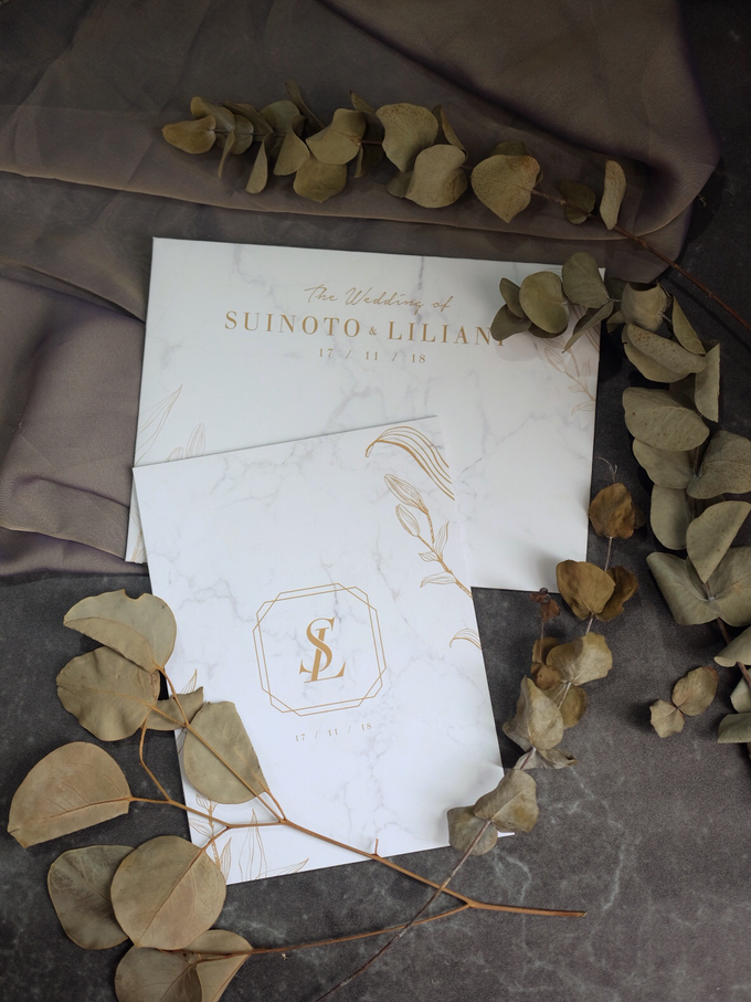 Suinoto & Liliani Marble Wedding Invitation by Bluebelle Invitations - 002