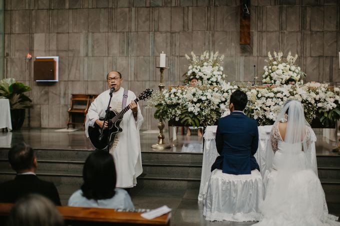 Niken Gilang Holy Matrimony At Gereja Katolik Santa Perawan Maria Ratu By Warna Project Bridestory Com