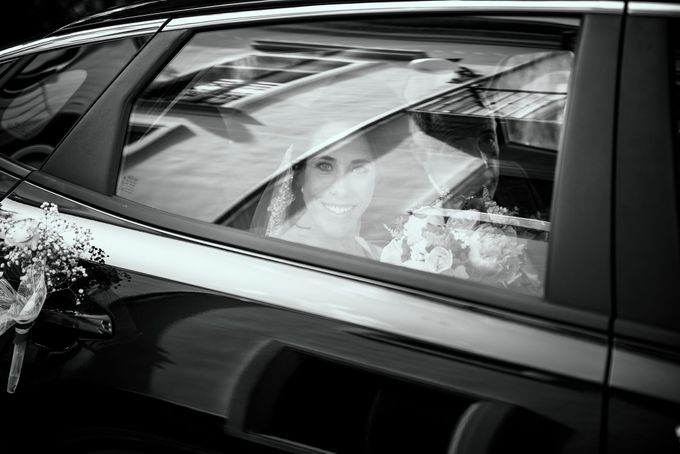 Nice Bride in the Car by WedFotoNet - 005