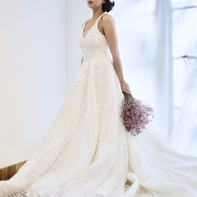 Wedding gown & more by Boenga Bridal Couture - 001