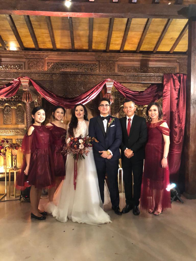 Family dresses in tulle maroon prisket by Boenga Bridal Couture - 001