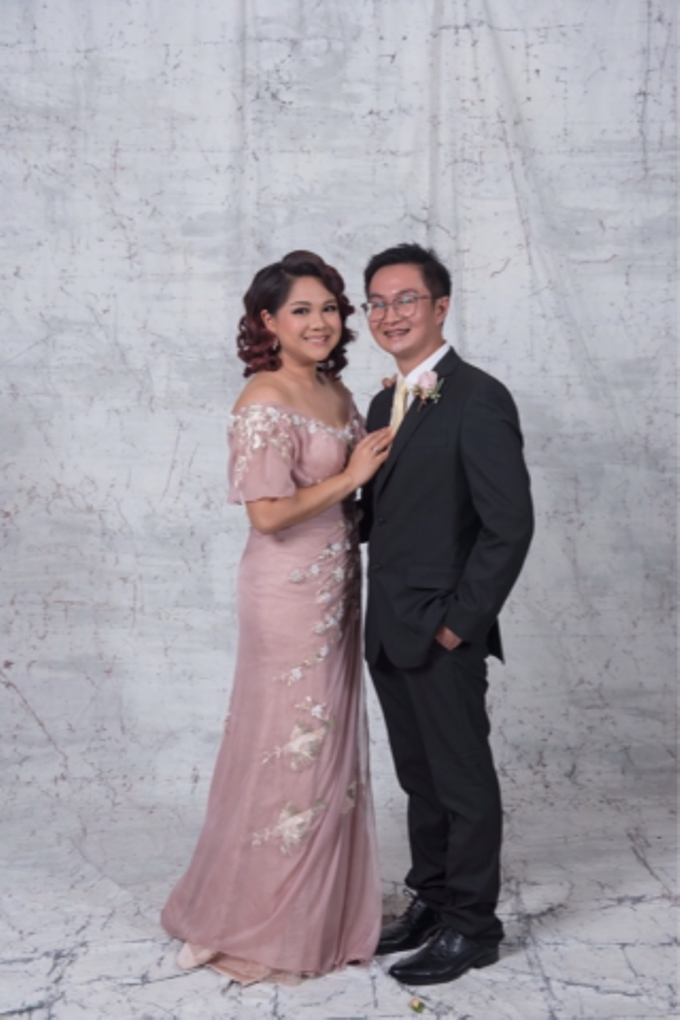 Groom and bride family-pastel colors gowns by Boenga Bridal Couture - 005