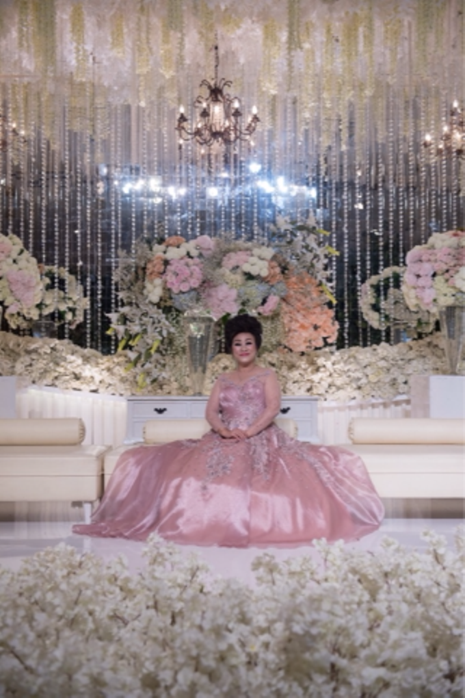 Groom and bride family-pastel colors gowns by Boenga Bridal Couture - 014