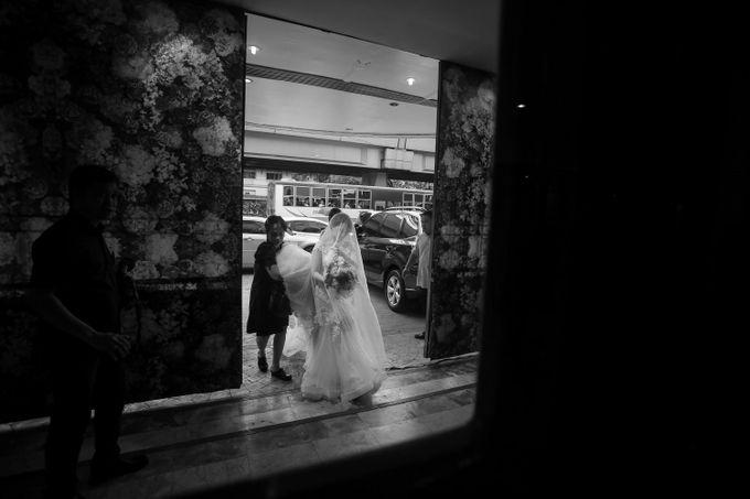 Erman & Mitch - Wedding by Bogs Ignacio Signature Gallery - 035