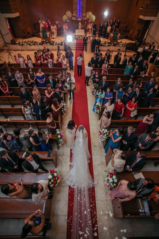 Erman & Mitch - Wedding by Bogs Ignacio Signature Gallery - 036