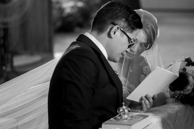 Erman & Mitch - Wedding by Bogs Ignacio Signature Gallery - 041