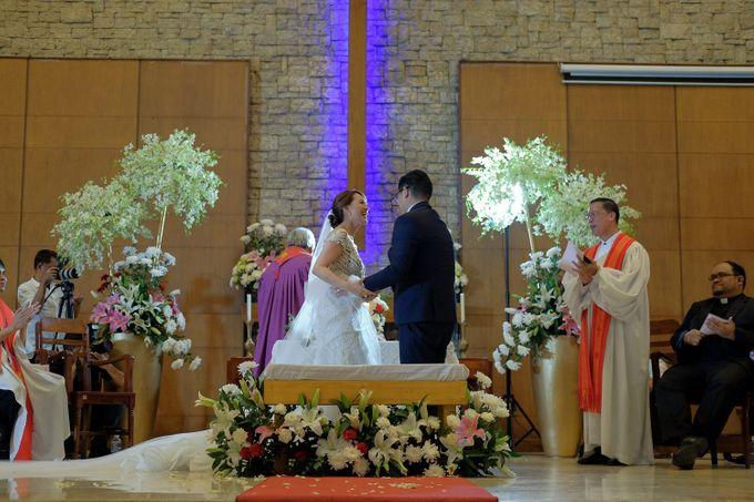 Erman & Mitch - Wedding by Bogs Ignacio Signature Gallery - 044