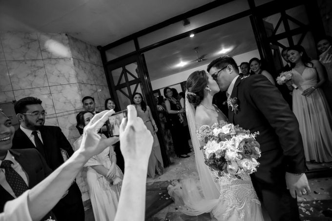 Erman & Mitch - Wedding by Bogs Ignacio Signature Gallery - 046