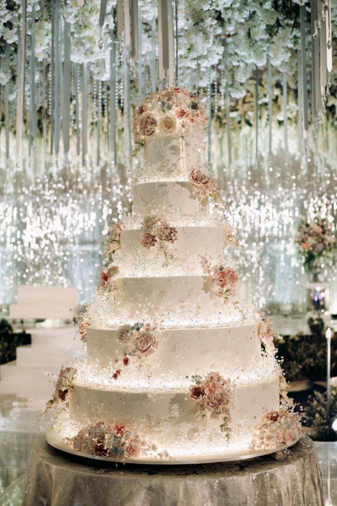 The Wedding of Andri & Mega  by Bonzai Decoration - 007