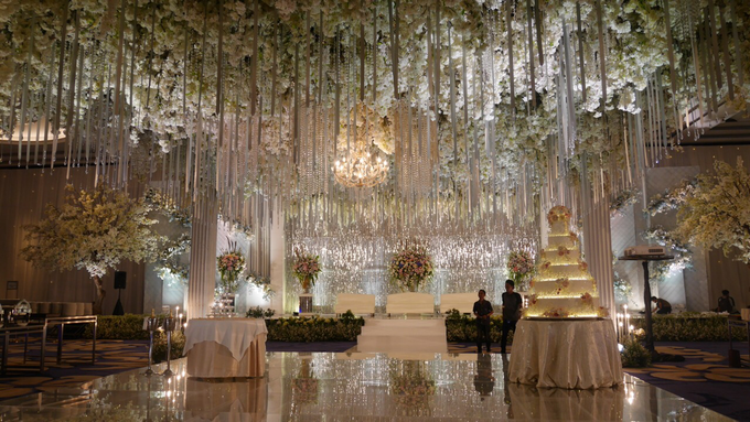 The Wedding of Andri & Mega  by Bonzai Decoration - 013