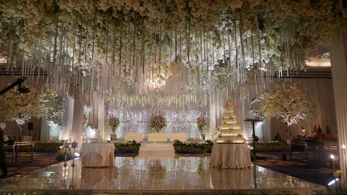 The Wedding of Andri & Mega  by Bonzai Decoration - 018